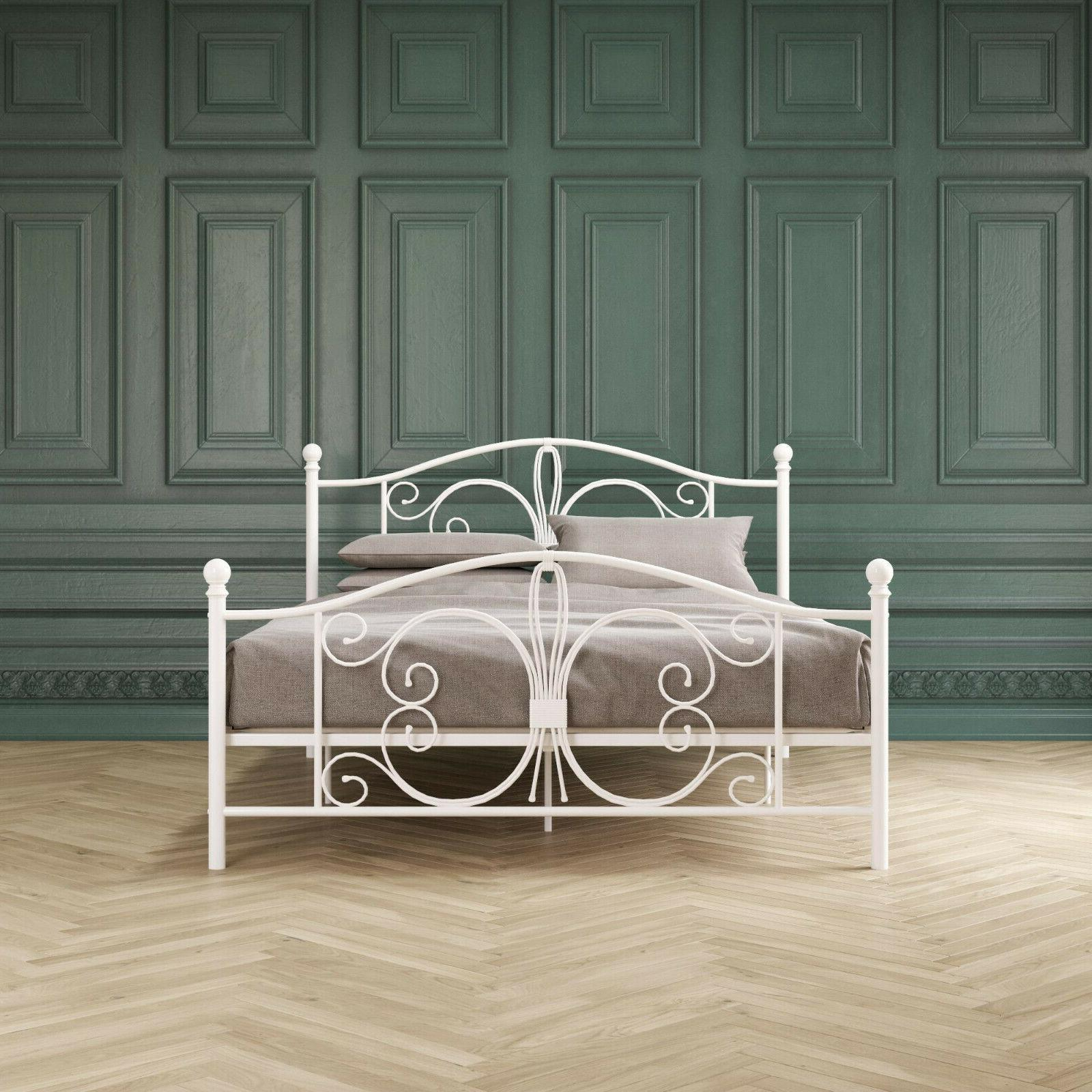 White Bed Butterfly pattern KING size